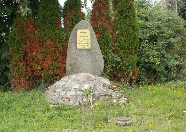 St Germain d'Anxure Monument Résistance - Copie