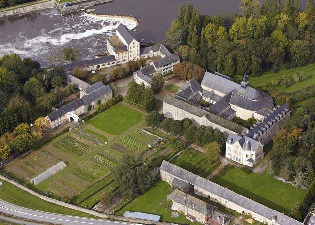Abbaye_Notre_Dame_du_Port_de_Salut_53260